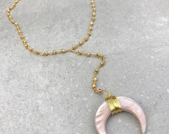 Horn necklace, Moon necklace, Lariat necklace, Light pink shell lariat necklace, Boho necklace, Gemstone necklace, Gold lariat