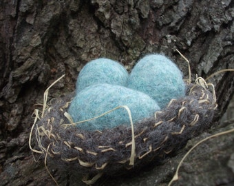 Robin's nest, felted wool nest and eggs, robin's egg blue, made to order