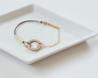 Bronze Loop Bracelet // Minimal Industrial Brass Circle Bracelet