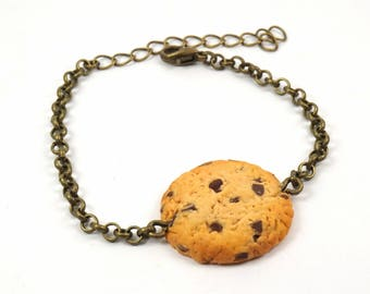 Cookies bracelet and chocolate chips in polymer clay