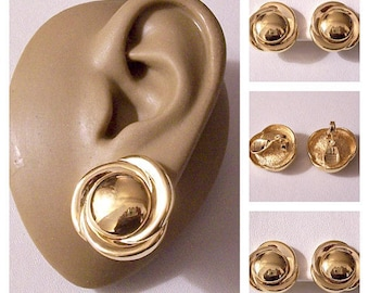 Monet Layered Band Edge Clip On Earrings Gold Tone Vintage Round Domed Large Buttons Center Comfort Paddles