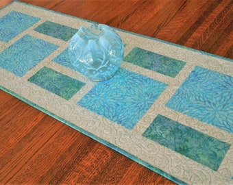 Modern Quilted Table Runner in Aqua Teal Blue and White Batik, Dining Table Decor, Coffee Table Runner, Dresser Runner, Bureau Scarf
