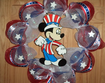 Last one!  New Yankee Doodle Dandy Mickey Mouse / Outdoor safe! /Patriotic Wreath