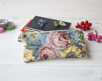 Pencil, project bag, cool Pouch, Small, sac a projet, Cute school supply, School supply, Zipper Pouch, gadget pouch, Cute pencil case