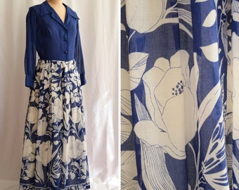 1970s Dress   Blue Floral   Vintage 70's Maxi Dress Shirtwaist Large Blue and White Oversized Floral Border Print Long Sleeves Size M