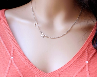 Personalized mom, sister, best friend necklace, Initial Necklace, Alphabeth necklace. Monogram necklace,, gift for her