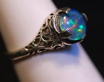 Schwarzer Opal Verlobungsring. Vintage Art Deco Style.Choose Ihr Opal-Typ: Australian Opal Triplette (im Bild) oder Solid weiß oder schwarz Opal.