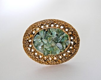 Beautiful Vintage 1950s Brooch, Gold Tone, Green Jade Chip, Antique Jewellery, Pin-Up