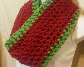 Red and Green Christmas Cowl Infinity Circle Scarf Neckwarmer