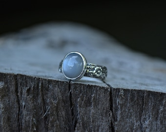 Moonstone Ring, Grey Moonstone Ring, Grey Moonstone, Moonstone, Sterling Silver, Floral Band, Silver Moonstone Ring, Grey Gemstone