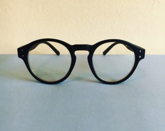 Round clear glasses // 90s