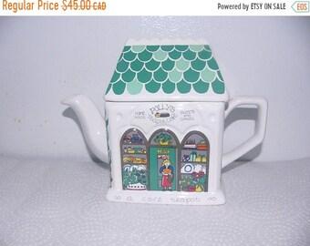 ON SALE Vintage Wade Teapot