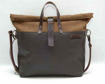 Weekend bag, waxed canvas with leather handles and closures,Snuff Brown color