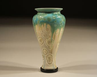 Porcelain vase glazed with Crystalline glaze