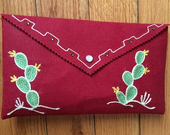 Chainstitch embroidered clutch: paddle cacti!