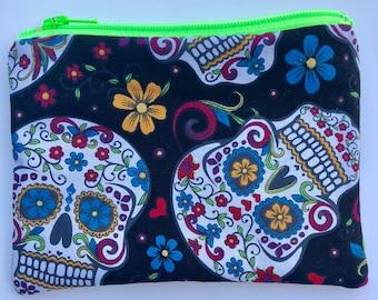 Sugar Skulls Zipper Pouch: Dia De Los Muertos, Flowers.