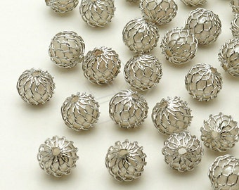 ME-104-OR / 4 Pcs - Mesh White Acrylic Pearl Beads, Silver Plated Mesh / 6mm