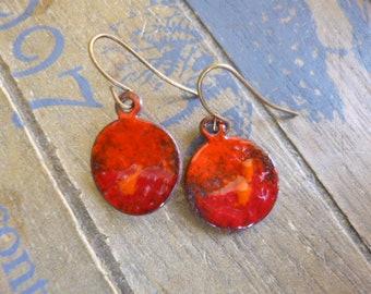 Boucles rouge cuivre - boucles émail - Red Dangle Earrings - rustic earrings - Torch Fired Enamel Earrings - Red Disc Earrings - Red Jewelry