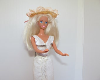 Ash Blonde Barbie Doll 1966 / Twist and Turn Barbie w/Original Hat and Terry Wrap Skirt
