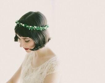 Leaf pearl crown, Botanical bridal circlet, Simple Bridal tiara, Winter wedding head piece, Beaded hair band, pearl crown, Green leaf crown