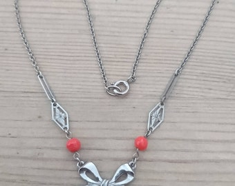 Vintage poppy flower necklace