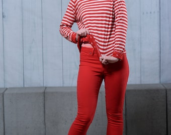 Women's Reversible sweater anchor red