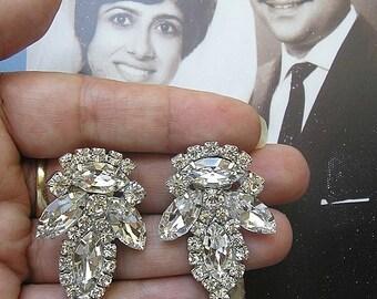 vintage  earrings, Crystal Rhinestone earrings, Sparkle earrings, Wedding jewelry Earrings, Bridal Clip On Earrings