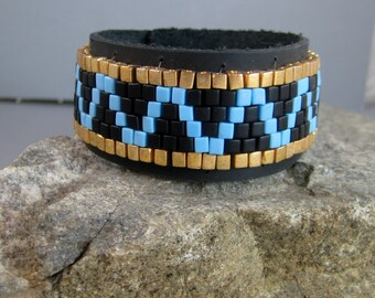 Native American beaded leather bracelet, Mans turquoise and gold bracelet, Beaded leather cuff bracelet, Bikers black leather snap bracelet