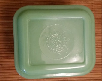 Anchor Hocking Fire King Jadeite Small Refrigerator Dish with Cover - Philbe Pattern