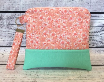 Zippered Pouch - Mint Blossoms