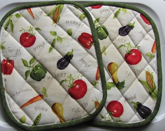 Vegetable potholders including tomato, squash, pepper and carrots - set of 2