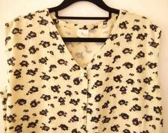 Floral shirt with buttons at front