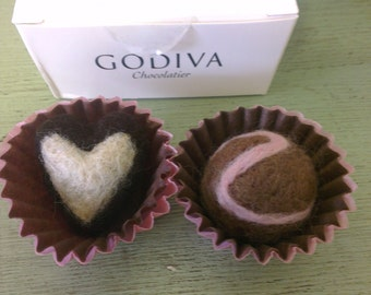 Delicious Needle Felt Chocolate truffles in a Gift Box.  Felt Chocolates.  Felt Play Food. Felt Candy***