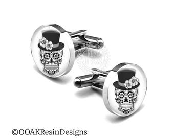 Wedding Skull Cufflinks, Grooms Gift, Black and White Sugar Skull, Fiance Gift, Day of the Dead Cufflinks, Mens Accessories, Macabre