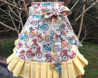 Hostess Apron // Womans Apron // Cute Apron // Bicycle Apron // Half Apron // Kitchen Apron // Mom Gift // Womans Gift