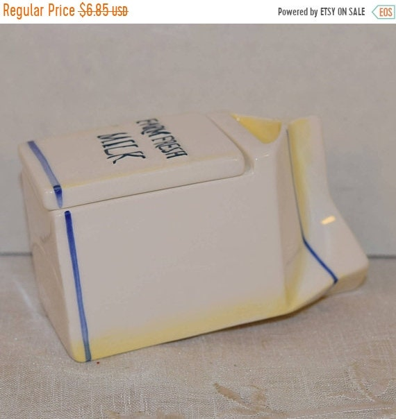 Delayed Shipping White Milk Carton Storage Box Vintage Porcelain Blue Trimmed Farm Fresh Milk Trinket Box Farmhouse Country Kitchen Decor To
