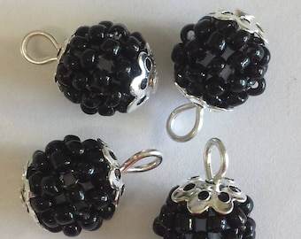 4 pendants beads seed beads 2.5 mm Black Pearl