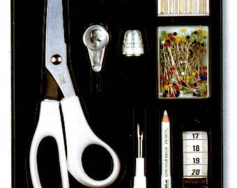 Lot accessories sewing scissors, tape measure, needles, pins, decouvite, thimble, Prym gift box