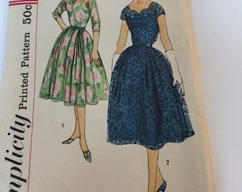 "Simplicity 2583 Size 16 Bust 36"" UNCUT Late 1950s Full Skirt Dress with Kimono Sleeves Scalloped Neckline"