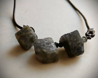 Gift for her / Raw labradorite leather choker/casual boho layering necklace
