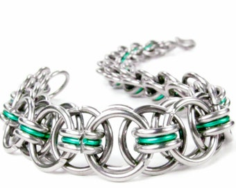 Chainmaille Bracelet - Helms Weave - Green