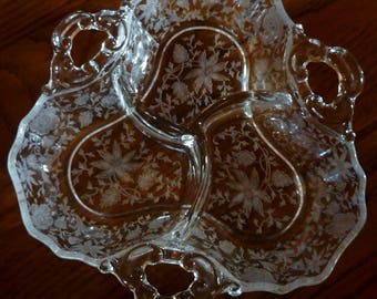 Cambridge wildflower 3 part relish dish with key hole handles