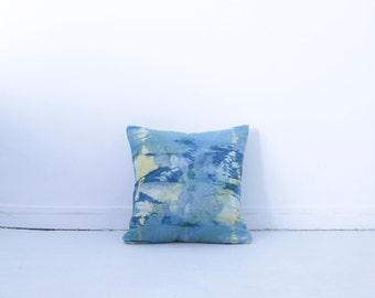 Pillows with dyed - shibori - vegetable dye - cotton and organic hemp - decorative pillow 40 X 40 cm - unique - boho - Handmade in en