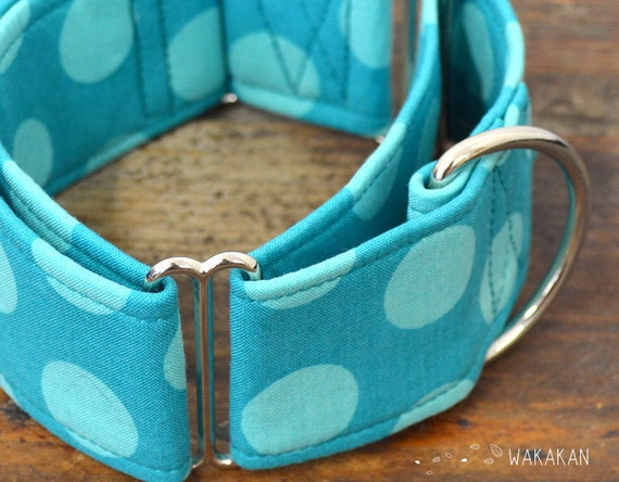 Martingale dog collar Just Dots. Handmade with 100% cotton fabric. Fancy retro design turquoise. Wakakan