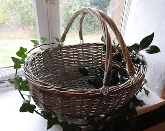 Wicker gathering/shopping basket