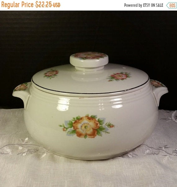 Sale Clearance Hall's Rose White 658 Covered Casserole Vintage USA Hall Pottery Casserole Dish Vegetable Bowl 1950s Halls Superior Quality H