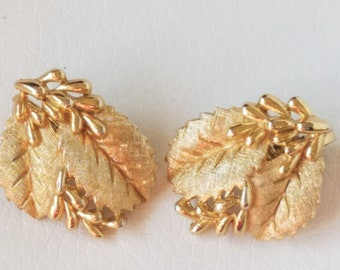 Vintage Crown Trifari Gold-Plated Clip Ons, Flower & Leaves Motif, Matted Textured Gold Tone Earrings, Crown Trifari Jewelry,