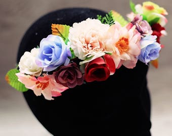 adjustable fake flower crown. photography prop. for photoshoots. hair accessory. baby shower.