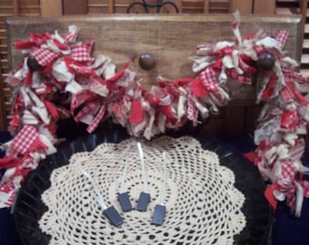 Primitive Country Raggedy Tattered Christmas Valentines Day RAG GARLAND Swag Skirting Wrap Drape with Ornie Clips (PRS-0016)