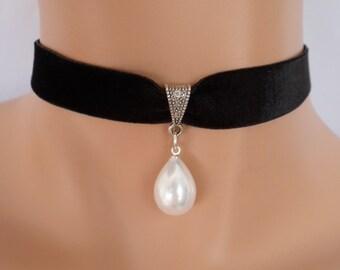 pearl shell choker, black velvet choker, stretch ribbon, mother of pearl